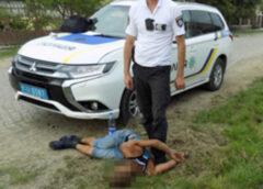 На Хустщині чоловік через ревнощі вдарив свого опонента ножем у живіт